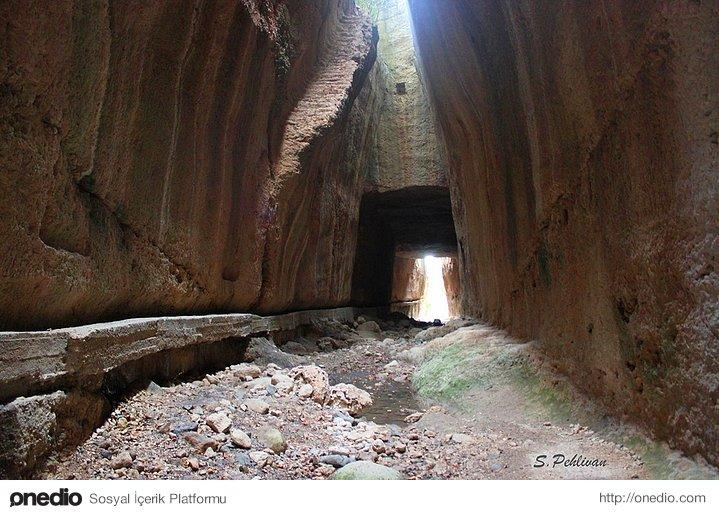 Vespasianus and Titus Tunnel. Constructed in the first century B.C.