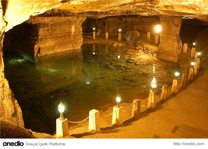 Hellgate Caves, it is told that this is the place where Heracles cached Cerberus(The three headed dog)
